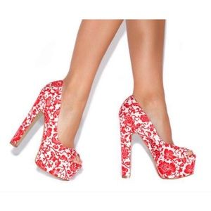 Red and cream heels 0658
